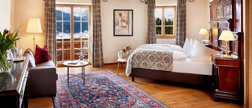 superior-bedroom-schloss-mittersill-kitzbuhel-austria.jpg